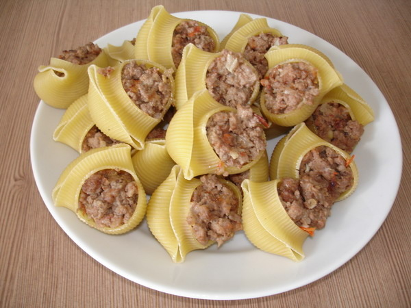 Макароны фаршированные фаршем рецепт с фото пошагово