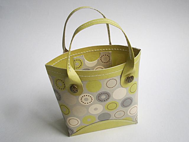 Як зробити пакет, сумочку для подарунка своїми руками?