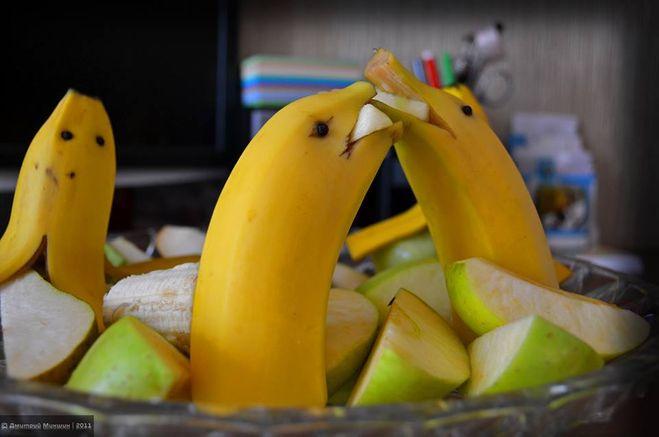Из бананов поделки